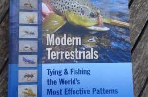 Reseñas de libros: Modern Terrestrials, tying and fishing the world's most effective patterns